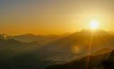 Вчені: після потужного спалаху на Сонці до Землі направляється величезна маса енергії (відео)