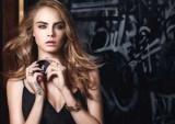 Кара Делевинь представила два новых средства YSL Beaut
